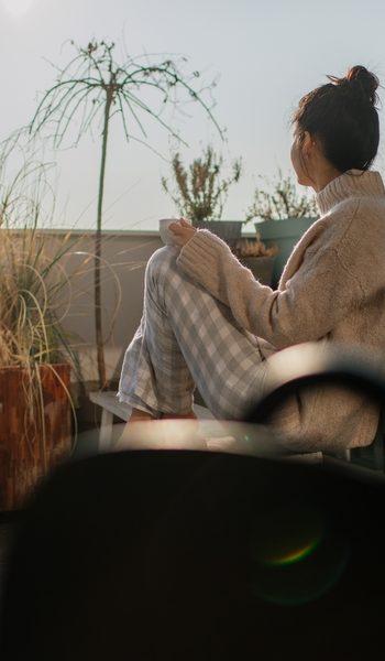 femme sur son blacon