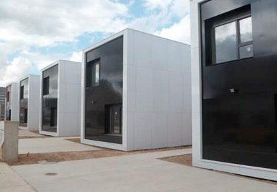 Le Groupe Lamotte livre ses premières maisons containers
